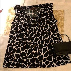 🦒EUC Dana Bachman giraffe print shirt. Size L🦒
